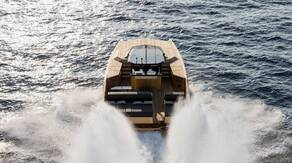 Stunning motoryacht with diamond coating in Miami: 40 Open Sunreef Power