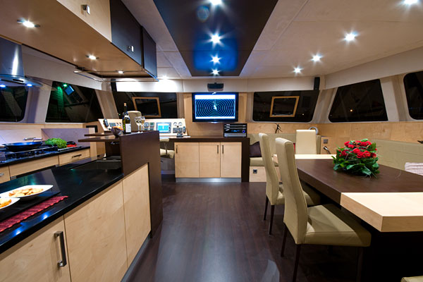 Sunreef 62 al maisan bateaux mises a l 39 eau sunreef for Interieur yacht