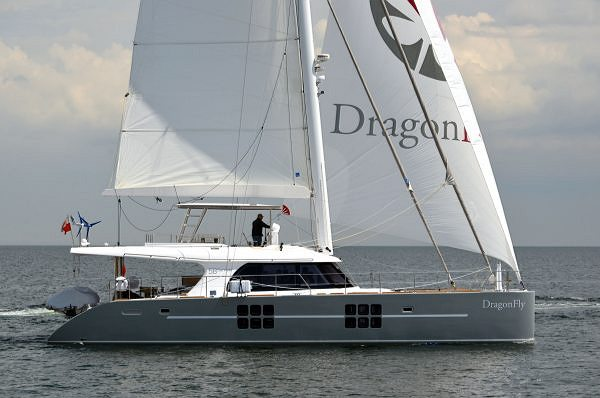 Sunreef Yachts lance Dragon Fly – catamaran à voiles de 58 pieds