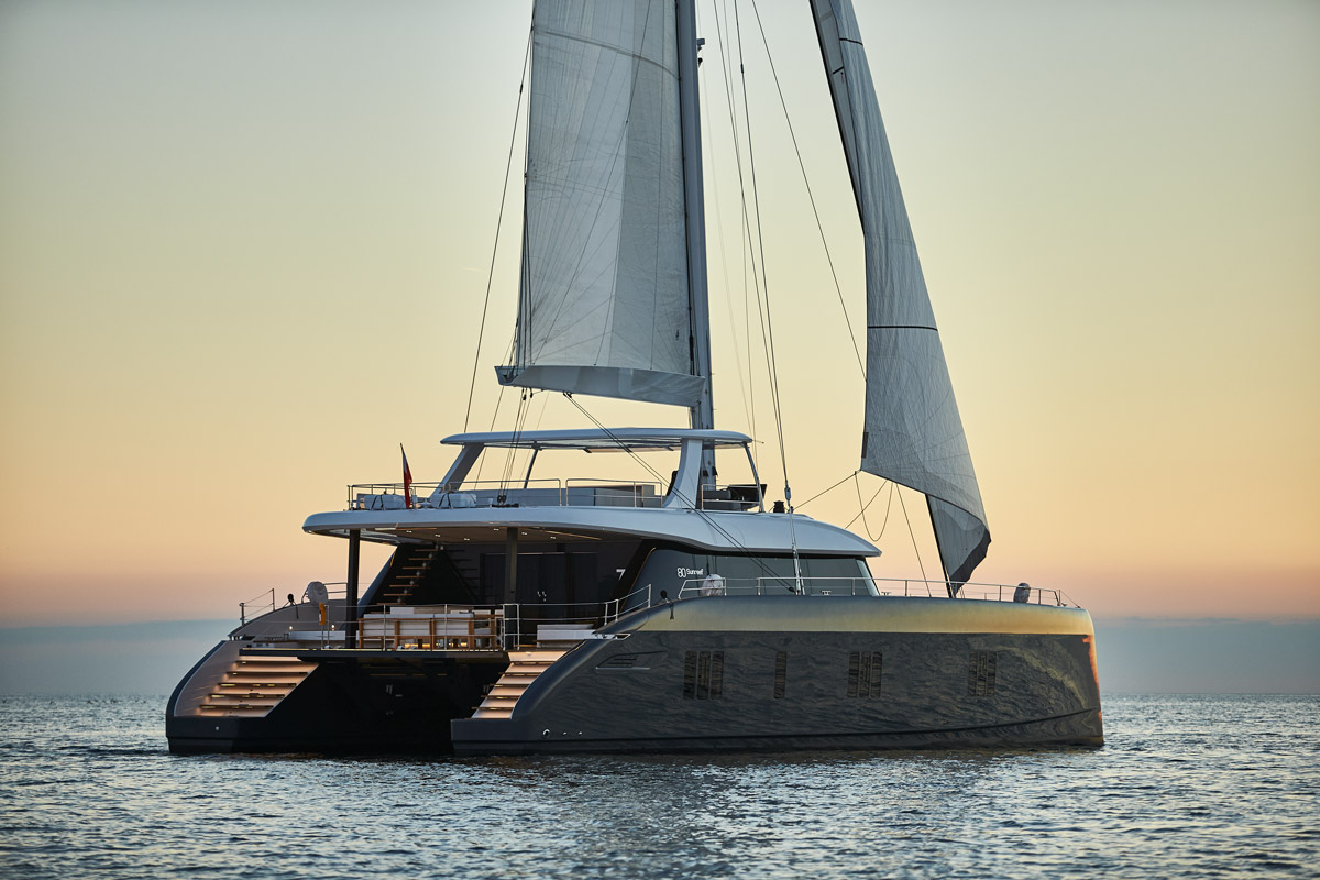 FIRST PICTURES OF THE NEW SUNREEF 80 REVEALEDSUNREEF YACHTS REVEALS A FIRST LOOK  AT THE SUNREEF 60 AND SUNREEF 80 AT SEA
