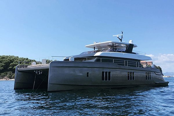 Światowa premiera 80 SUNREEF POWER  Na targach Cannes Yachting Festival