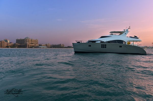 Motoryacht DAMRAK II in the the Middle East