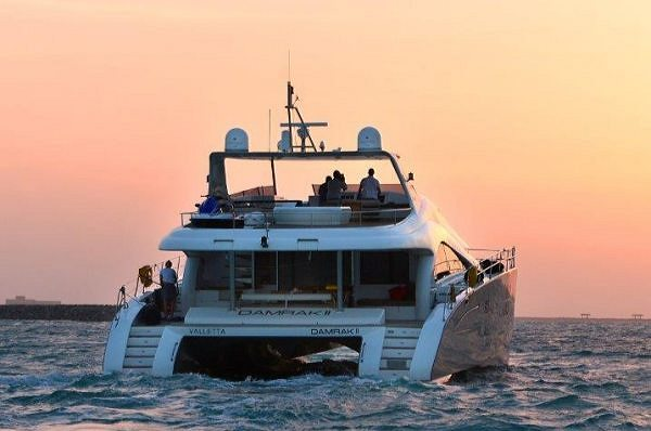Motoryacht DAMRAK II Arrives to Bahrain