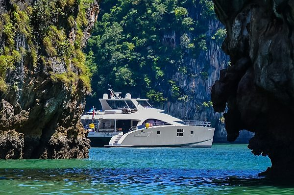 Sunreef Power 70 DAMRAK II disponible en Charter en Malaisie et en Thaïlande