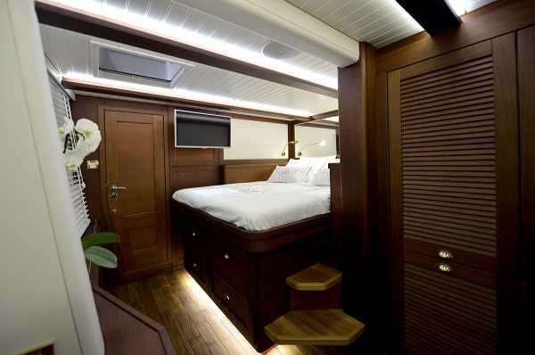 Sunreef Yachts Presents the Classic Interiors of the Sunreef 74 LUCY Z