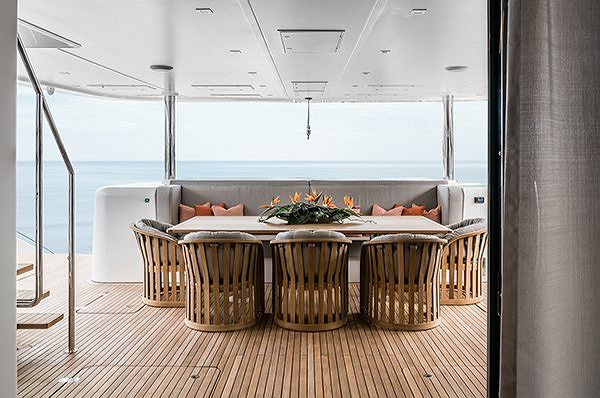 THE SUNREEF 88 DOUBLE DECK WINS THE CHRISTOFLE YACHT STYLE AWARD
