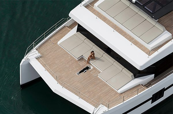 LE SUNREEF SUPREME 68 POWER EN ROUTE POUR LE MIAMI YACHT SHOW 2018