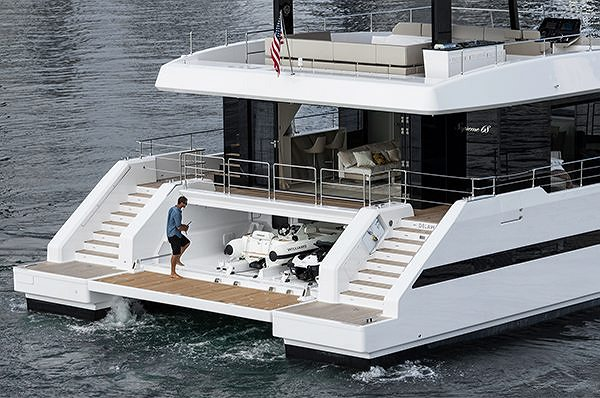 THE SUNREEF SUPREME 68 POWER ON HER WAY  TO THE MIAMI YACHT SHOW 2018
