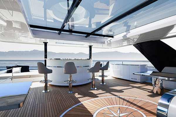 TWO SUNREEF YACHTS TO COMPETE FOR THE MULTIHULL OF THE YEAR AWARD