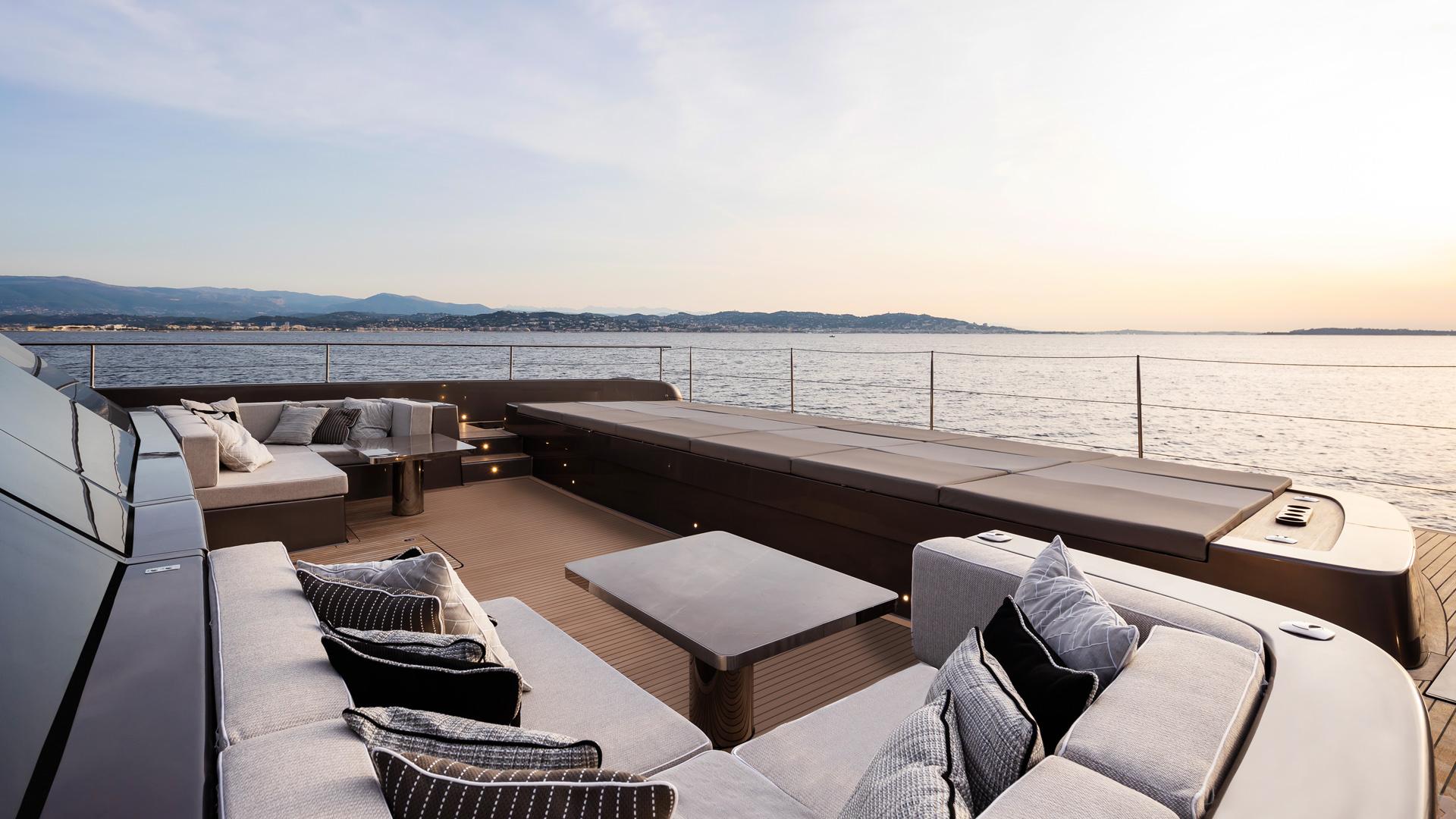 Luxury custom yachts, catamarans, power boats design, construction