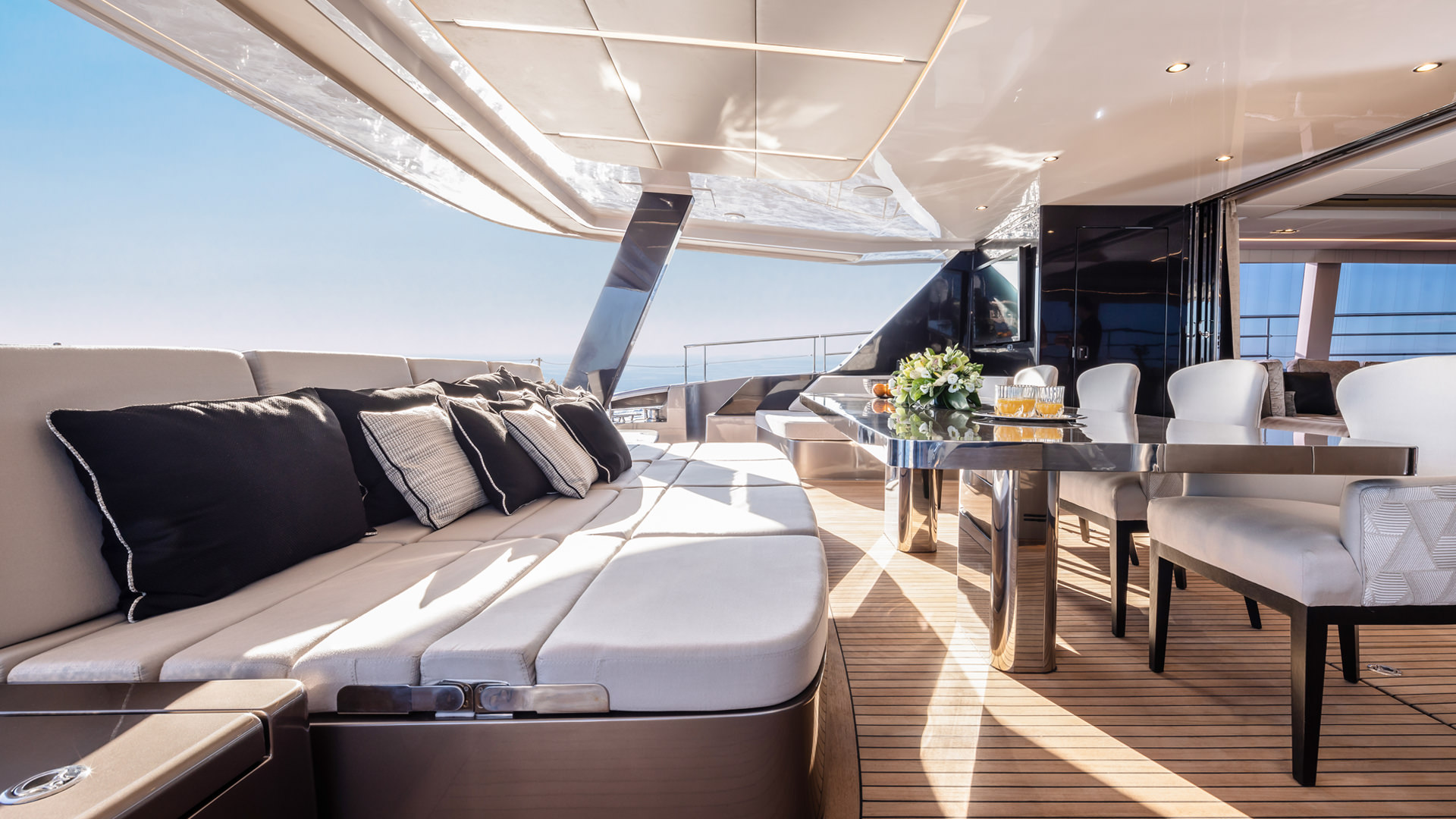 Luxury custom yachts, catamarans, power boats design